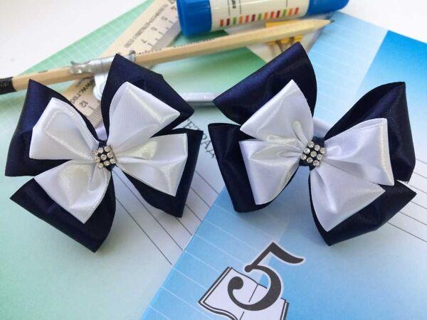 Школьный бант Бабочка синий с белым верхом