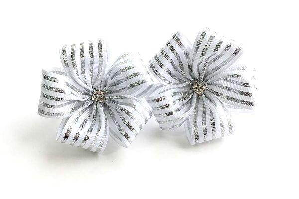 Детский бантик Карусель белый с серебряными полосками