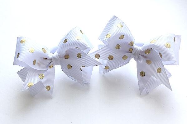 Бант для девочек Ассоль белый с горохом золото